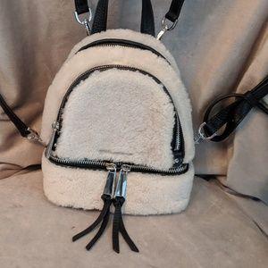 Michael kors sherpa backpack